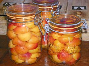 Conserves de fruits